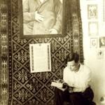 Каюм Мухамедханов в музее Абая (1940г., г.Семипалатинск) (Копировать)